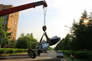 tow-truck-lifting-motorcycle